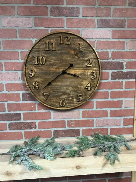 Pine raised letter wood clock